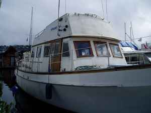 LakeUnionBoat Monthly Rent of $15K? Try a Year