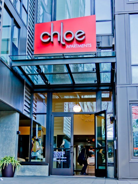 Chloe Apartments
