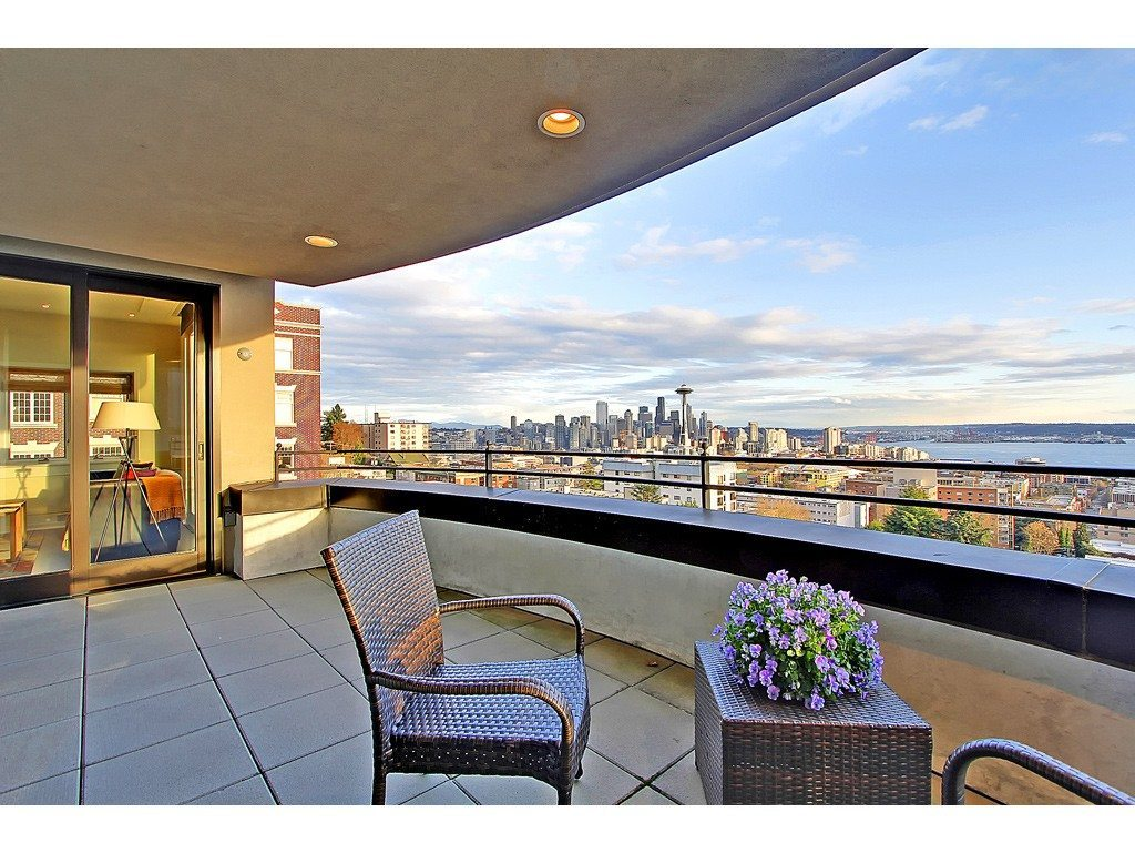 105 W Highland Dr Unit 7 Deck Queen Anne Marvel with Man Cave