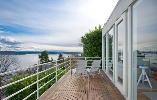 Madrona Modern with Awesome Lake Views