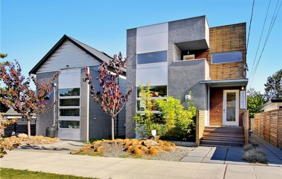 5 Star Built GREEN Mega Modern in Beacon Hill