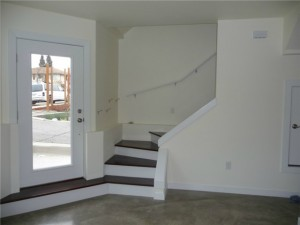 1537 18th ave s 3 300x225 Update: South Seattle Newly Built Tri Level Unit: $375,000