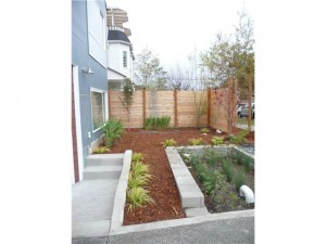 1537 18th ave s4 300x225 Update: South Seattle Newly Built Tri Level Unit: $