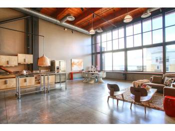 164121 8393509 2050012149 Massive Queen Anne Loft for Rent
