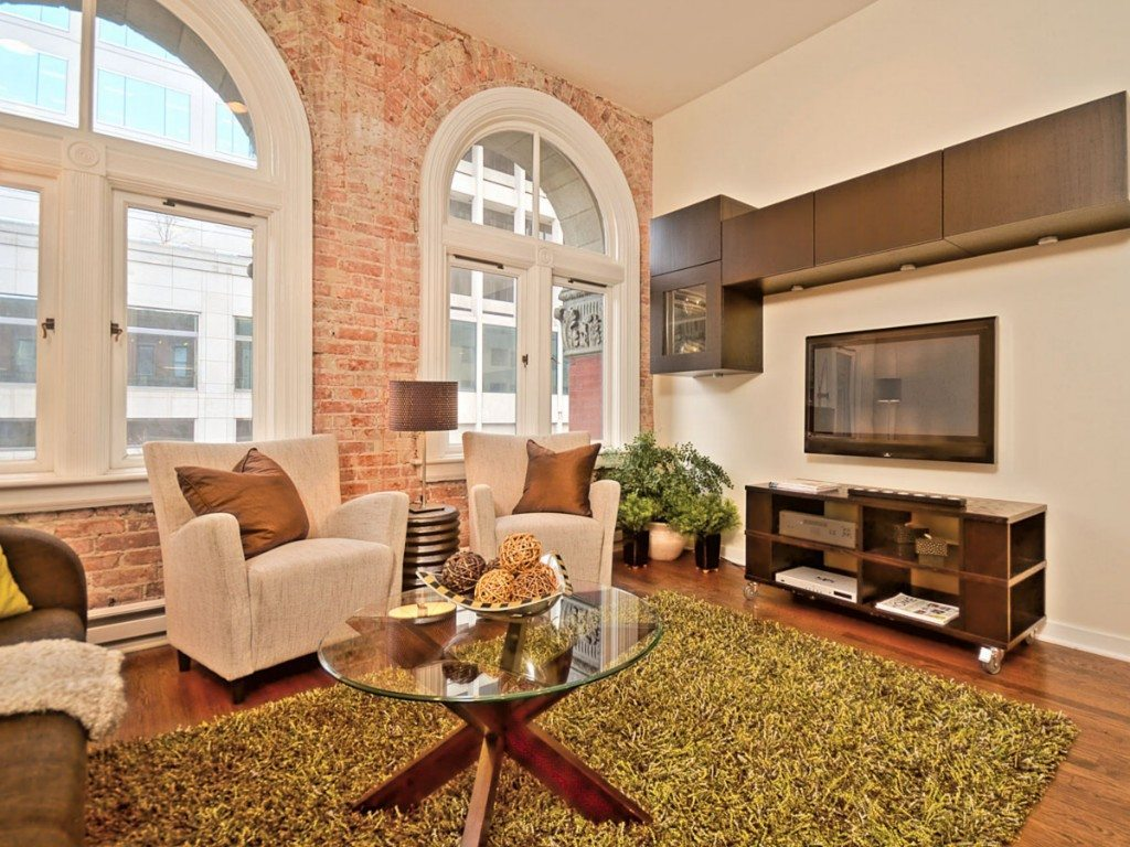 461215 0 Re modeled Pioneer Square Loft