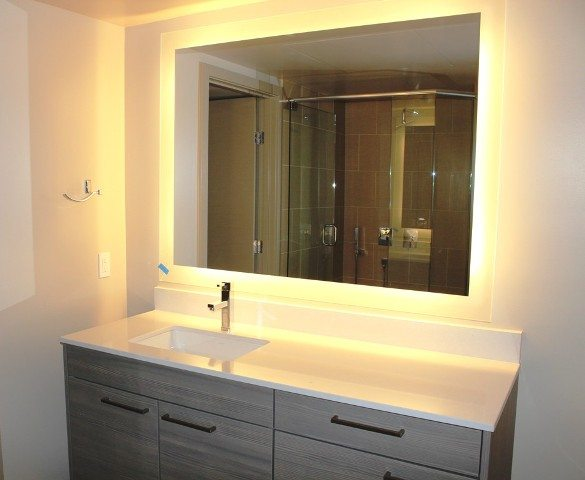 Luxury design and finishes in the bathroom