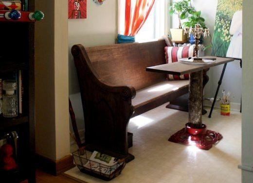Breakfast area in Danl's studio