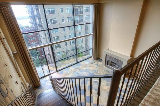 Banner Building 504 Living Room