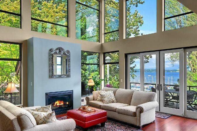 Lakeside - Living Room