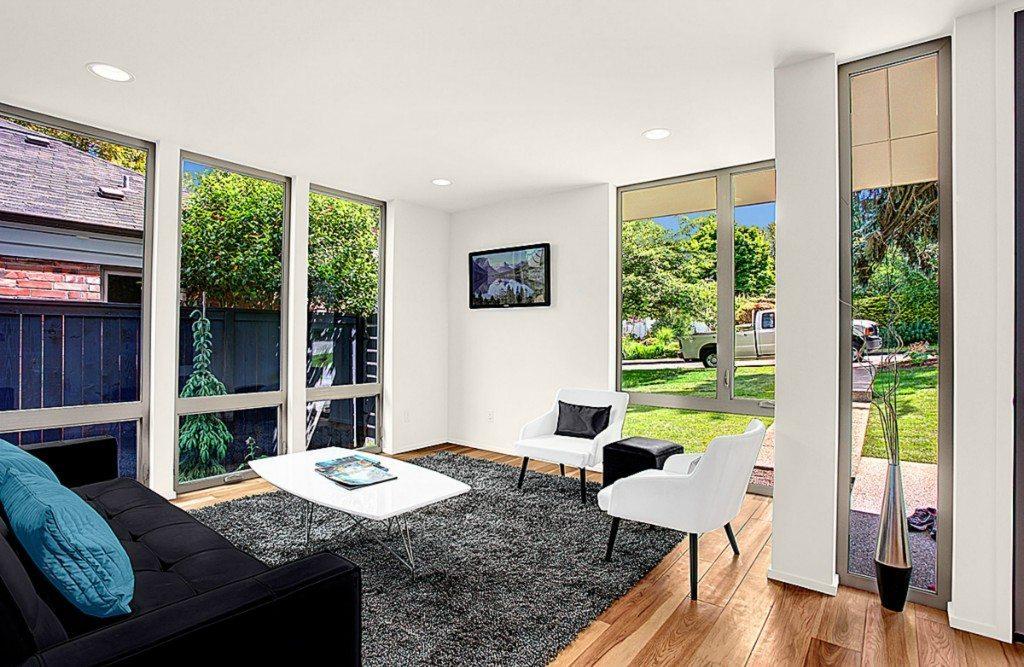 Playhouse Square Peg - Living Room