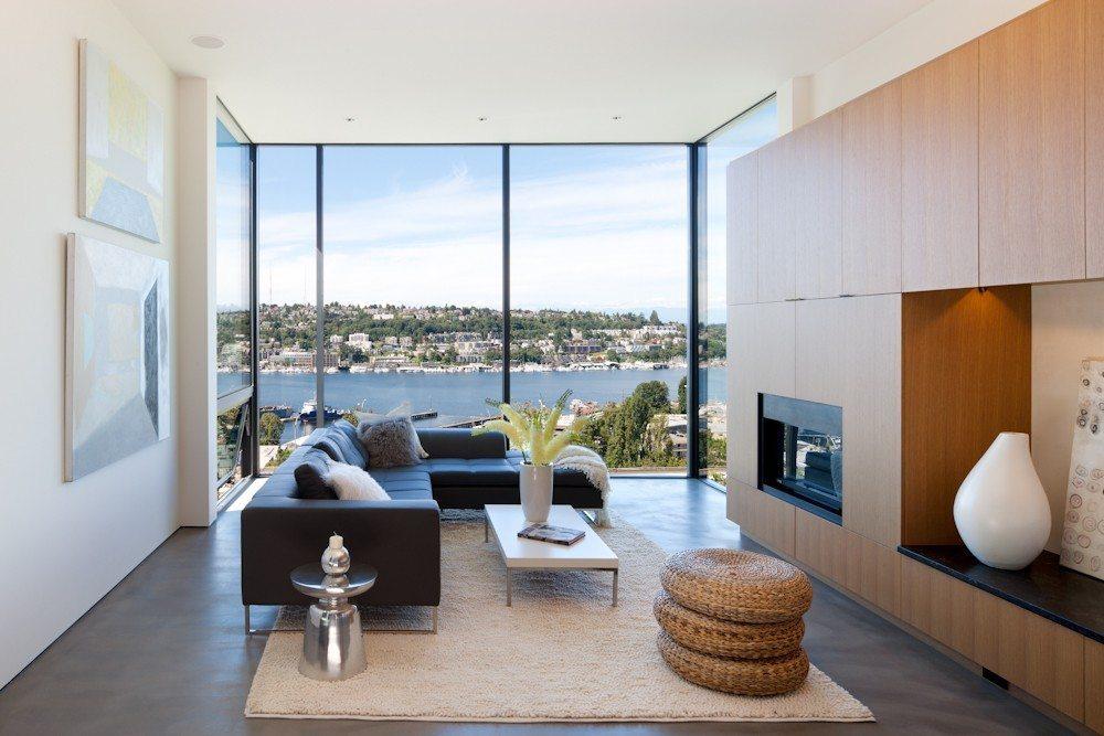 814 E Blaine - Living Room