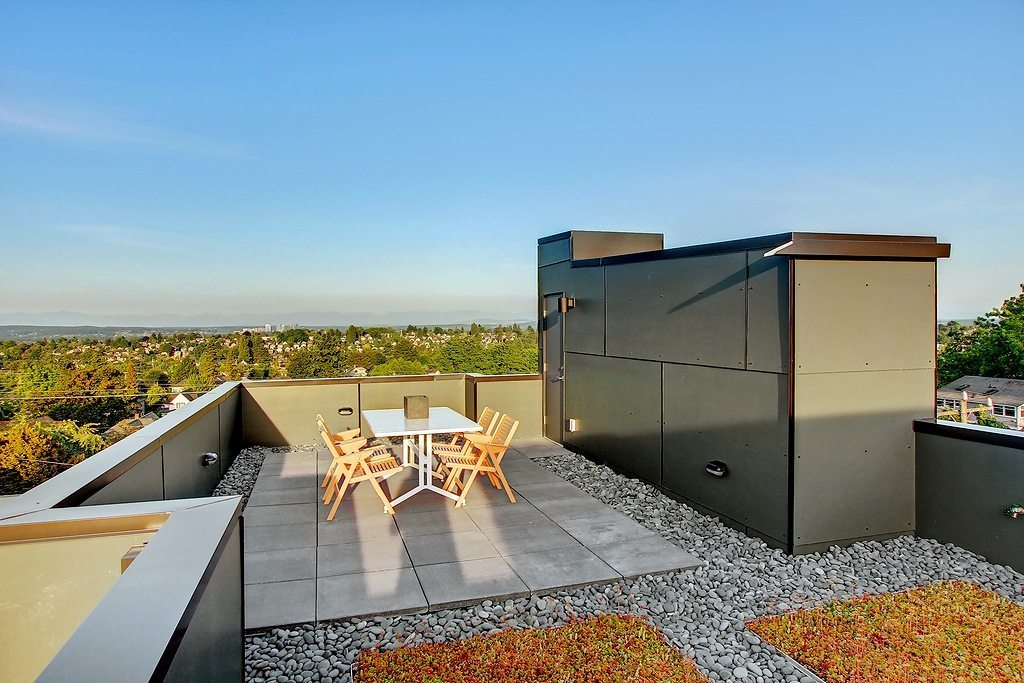 1104 18th ave - roof deck 2