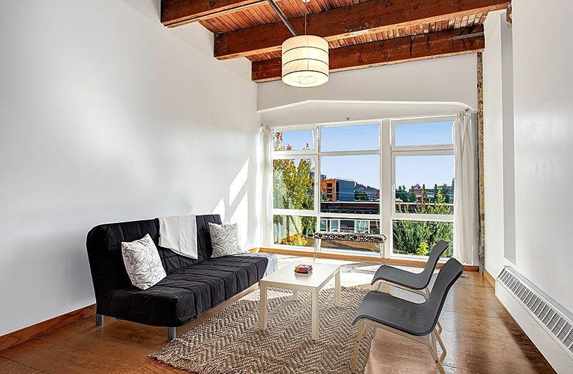 1024 E Pike - 301 - Living Room
