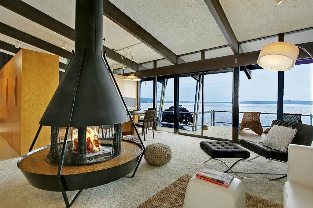 12263 Shorewood Ln - Living Room