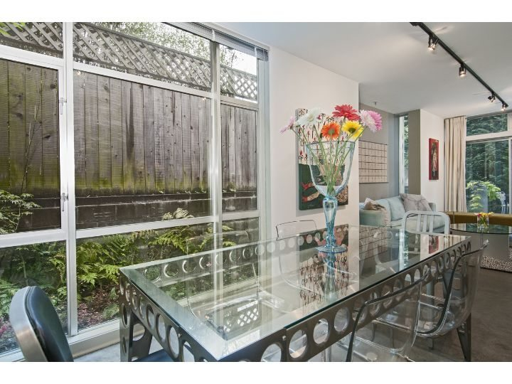 1413 15th Ave - Dining