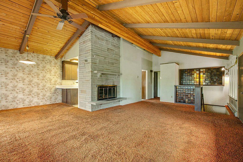 5200 S Frontenac St - Living Room