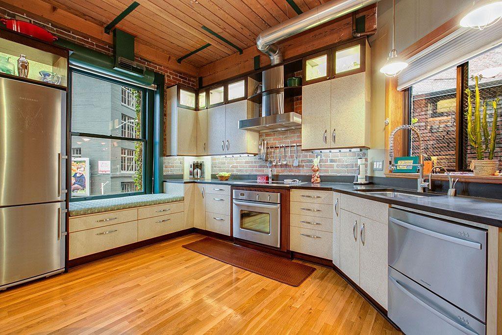 611 Post Ave - Unit 5 - Kitchen