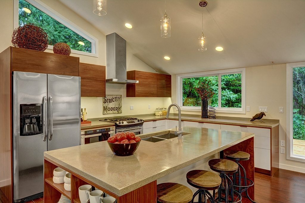 4245 NE 88th St - kitchen