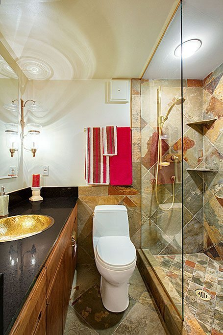 606 Post Ave - Unit 401 - Bathroom