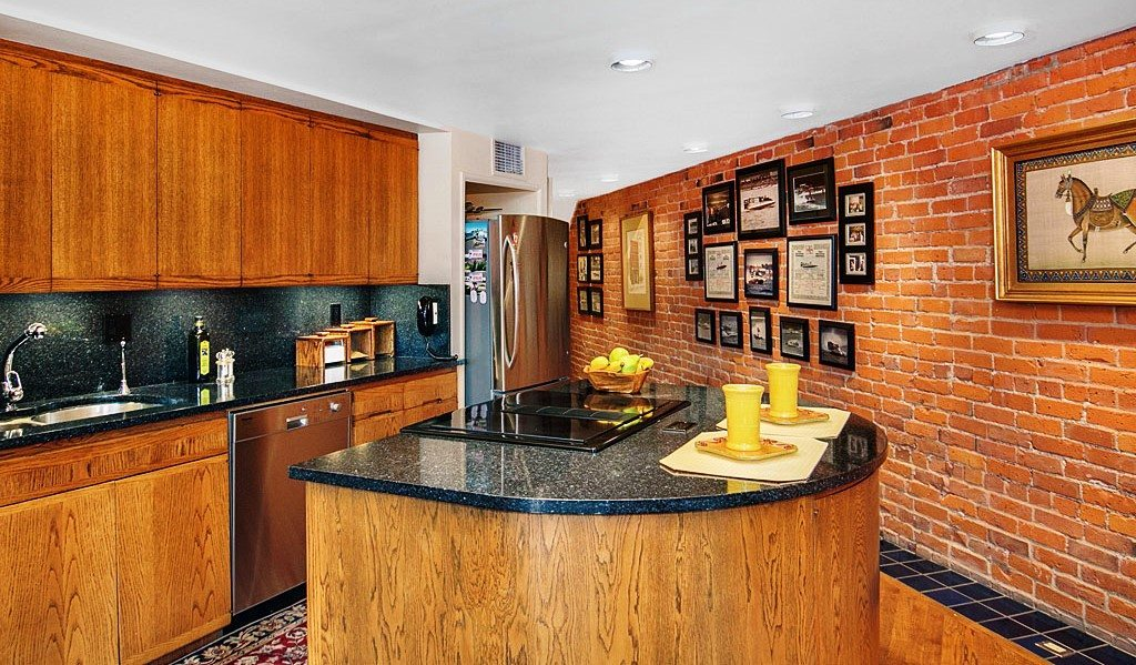 606 Post Ave - Unit 401 - Kitchen