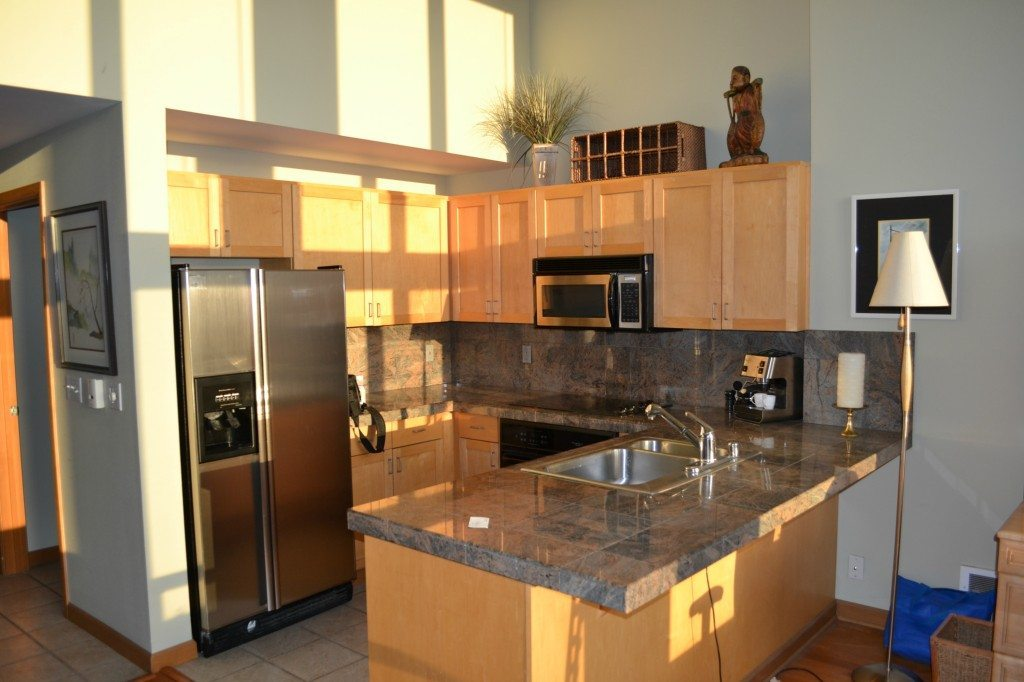 2324 1st Ave - Unit 204 - Kitchen