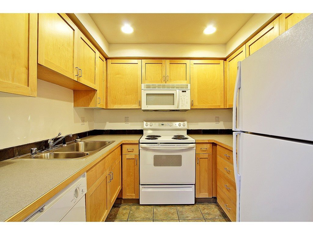 2324 1st Ave - Unit 209 - Kitchen