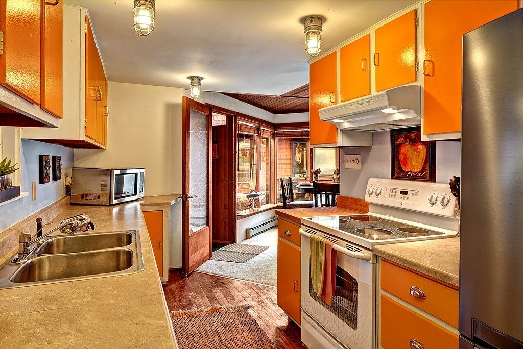 3110 Portage Bay Pl E - Kitchen