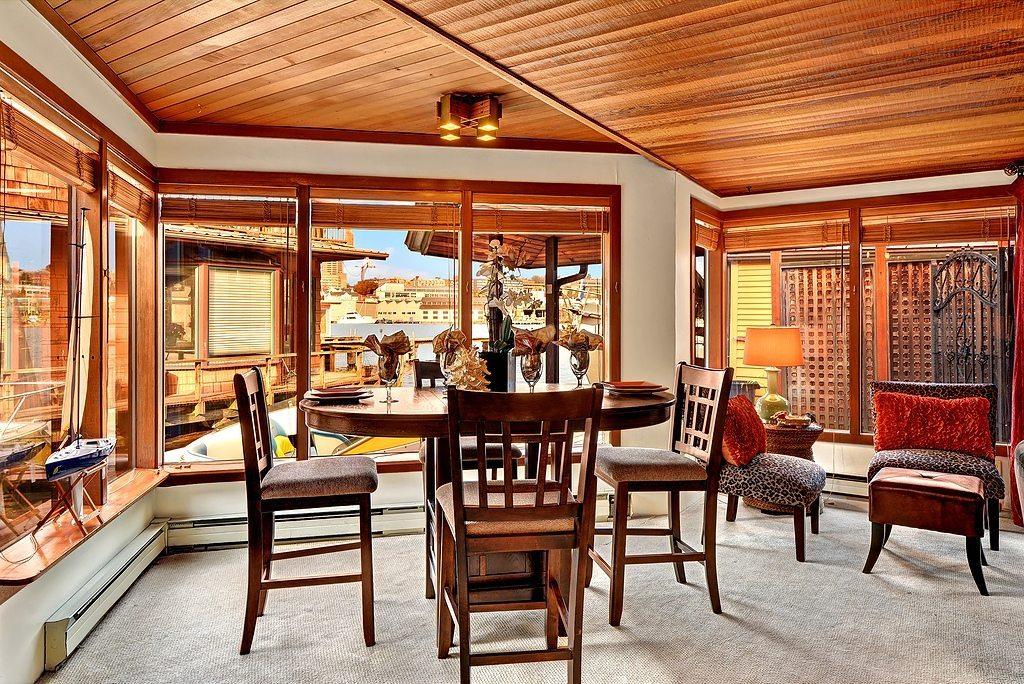 3110 Portage Bay Pl E - Living Room