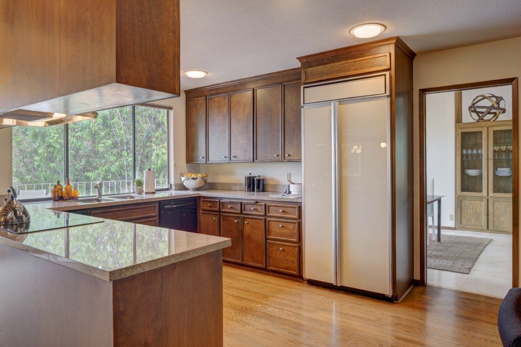 14070 Hilltop Ln - Kitchen