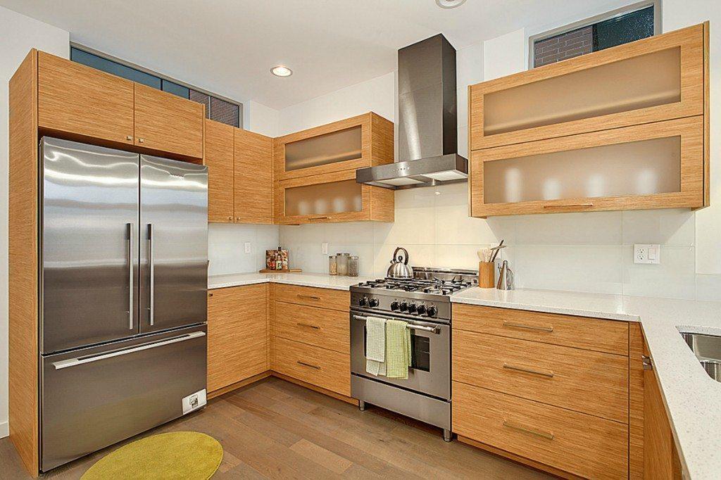 2220 Yale Ave E - Kitchen