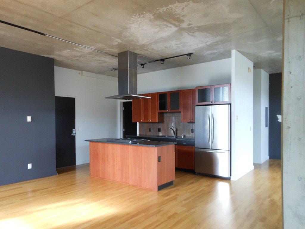 2245 Eastlake Ave E - Kitchen