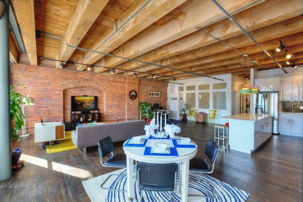 Artsy Work Live Loft In Downtown Seattle Urban Living