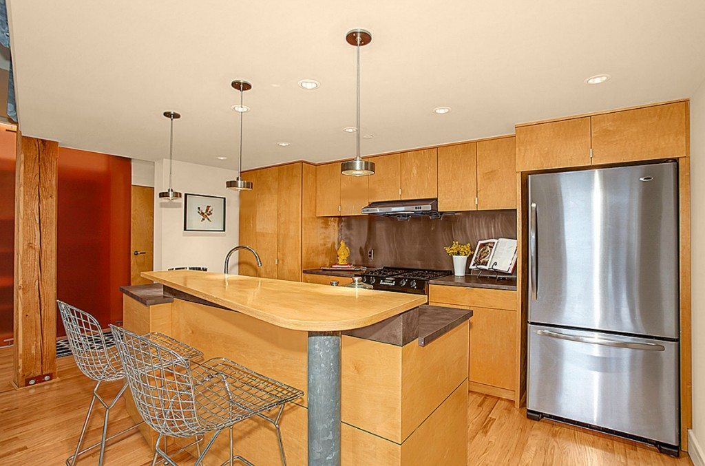 81 Vine St - Unit 506 - Kitchen