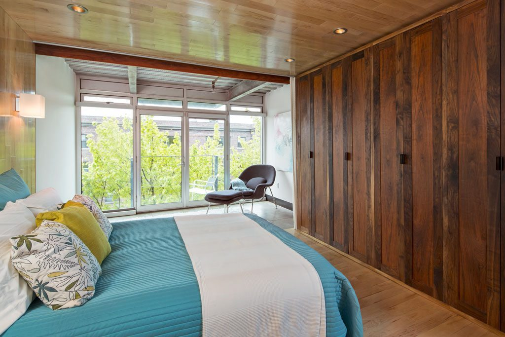 1310 E Union St - 301 - Bedroom