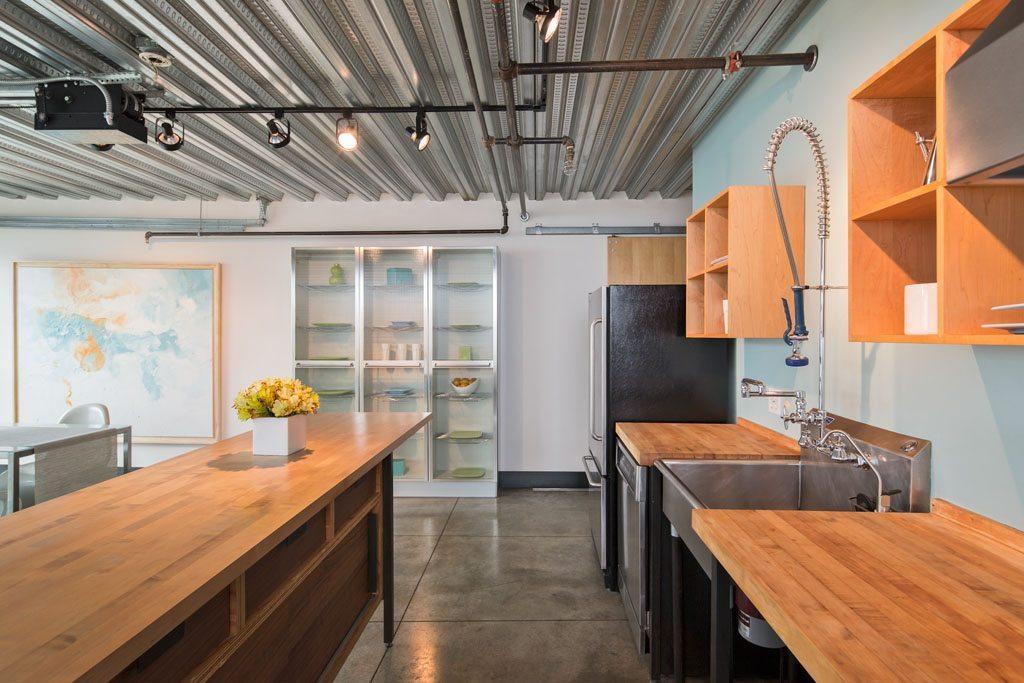 1310 E Union St - 301 - Kitchen