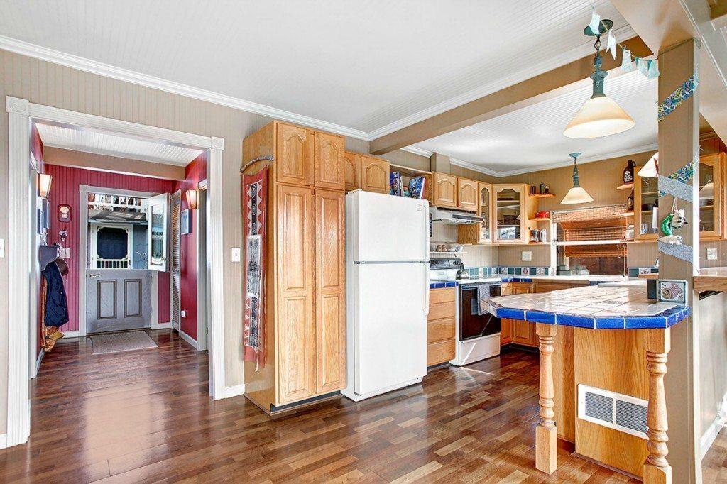 2025 Fairview Ave E - Unit H - Kitchen