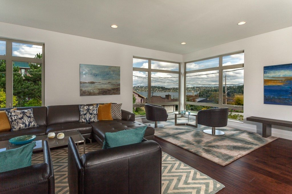 5237 S Farrar St Living Seward Park Modern with Lake Views