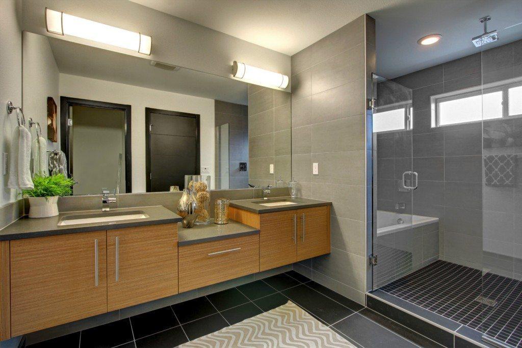721 Martin Luther King Jr Way S - Bathroom
