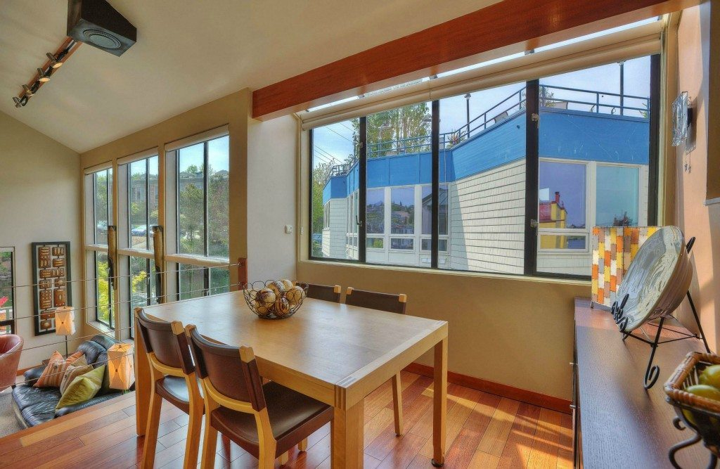 10 E Roanoke St 12 Dining $1.89m Eastlake Houseboat