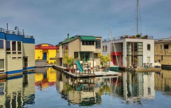 $1.89m Eastlake Houseboat