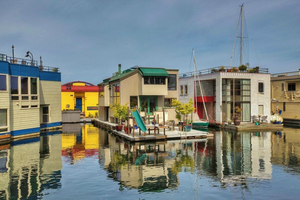 10 E Roanoke St 12 Exterior $1.89m Eastlake Houseboat