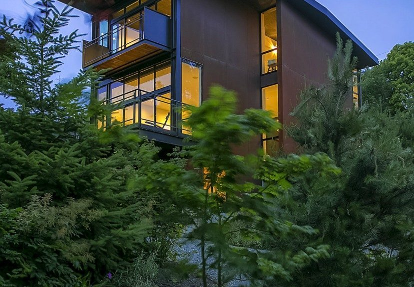 1701 33rd Ave - Exterior