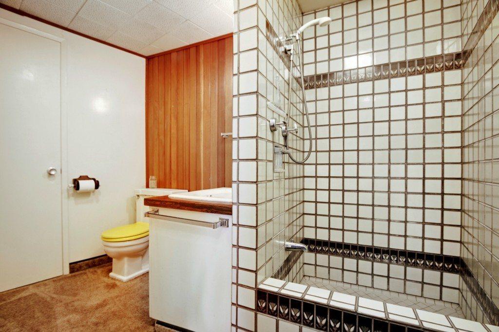5004 29th Ave S - Bathroom