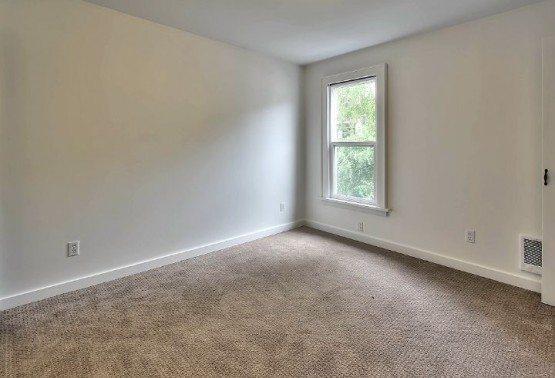 2222 Eastlake Ave E_upper bed 2