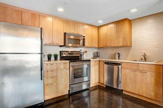 12334 31st Ave NE 105_kitchen