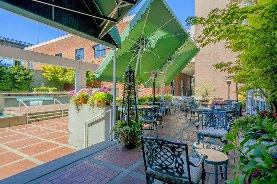 97 S Jackson St courtyard