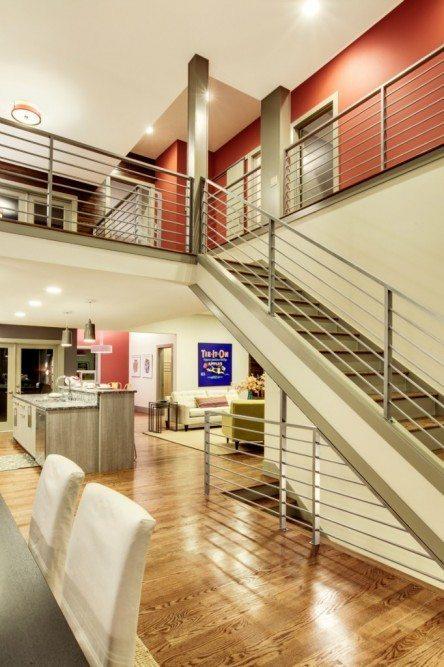 5439 Kirkwood Pl N_stairs