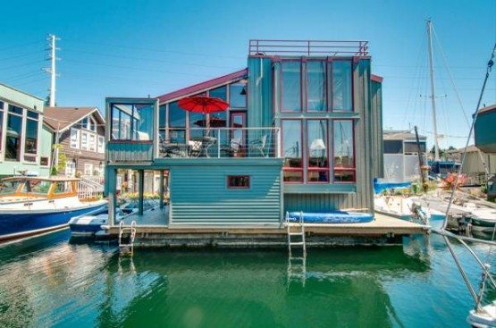 Hamlin St houseboat_facade