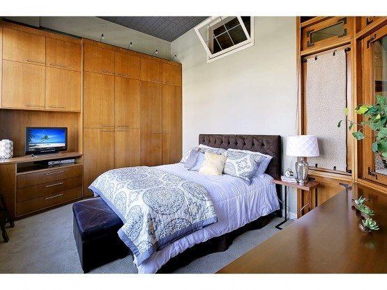 Ideal  E Pine St unit bed