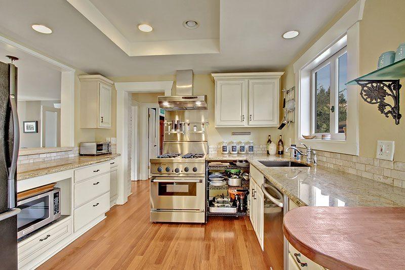 West Seattle Beach House 9236 Fauntleroy Wy Sw
